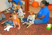 Le vendredi, la bibliothèque conte des histoires aux enfants