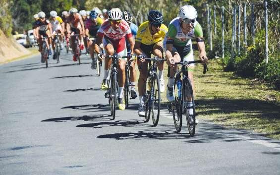 Dumbéa, le 22 octobre. Lebouvier, Fondère, Christensen. Les trois hommes se tenaient en 9 secondes au général avant la dernière étape.
