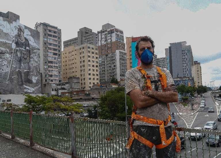 Brésil: à Sao Paulo, les cendres d'Amazonie deviennent une fresque géante
