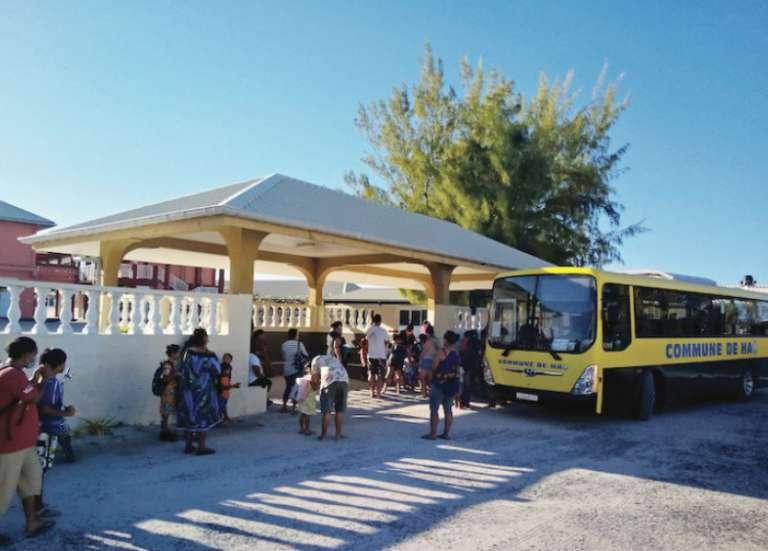 À Taha'a, l'école a rouvert mais sans bus pour s'y rendre
