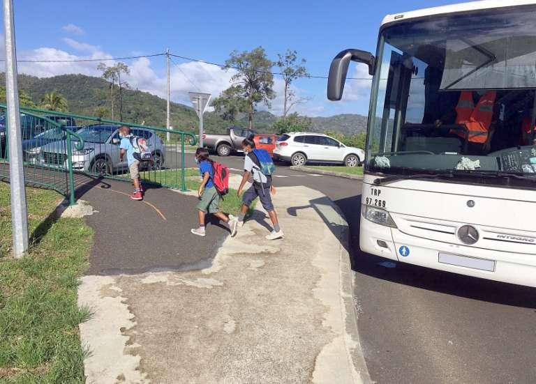 Rentrée en demi-groupe à l'école primaire publique du village
